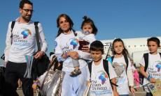 משפחת אבוטבול יורדת מהמטוס