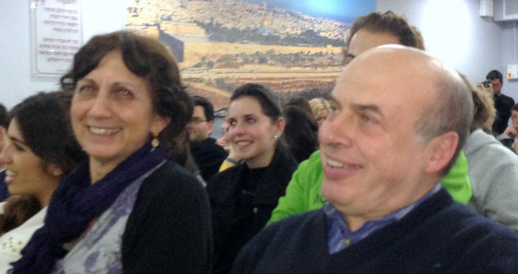 Chairman of the Executive of The Jewish Agency, Natan Sharansky with students and educators at Ulpan Etzion