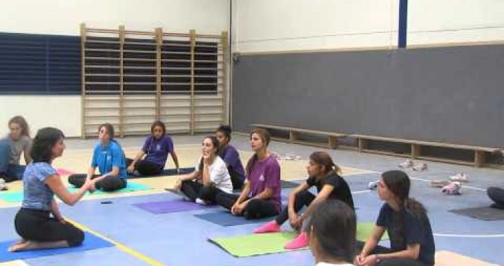 Ofakim Yoga class soldiers Mindy