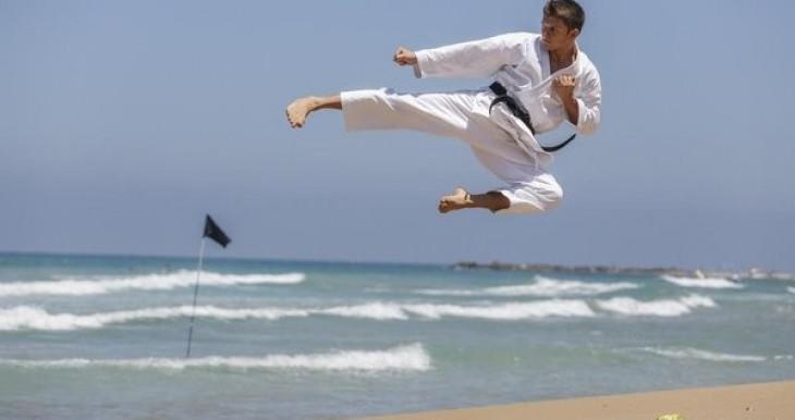 ארטיום מתרגל בחוף דדו, חיפה