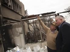 """יו""""ר הנהלת הסוכנות נתן שרנסקי בבית שנשרף בחיפה"""